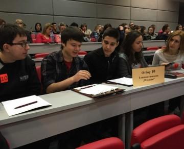Ученици от Английската с победа в куиз - тест в МУ - Пловдив