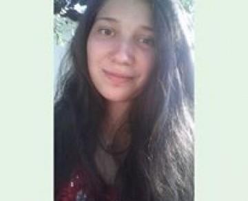 Надежда Калоферова, победителката сред деветокласниците в тазгодишния литературен конкурс